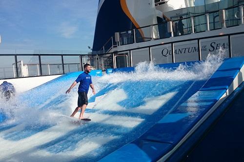 クァンタム 船上サーフィン