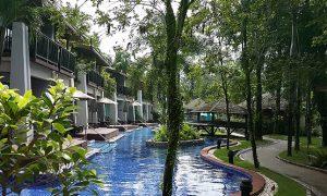 laflora-pool-Access
