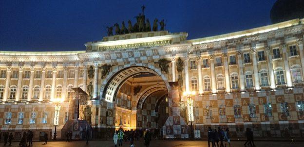 サンクトペテルブルグ エルミタージュ美術館広場