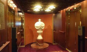 アムステルダム エレベーターホール