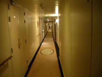 QM2 廊下