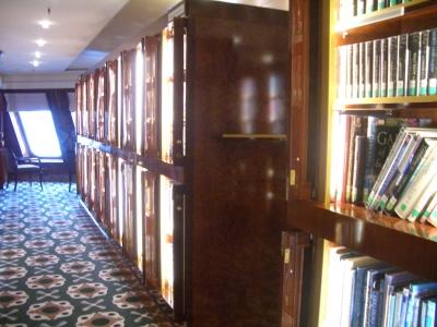 QM2 図書室