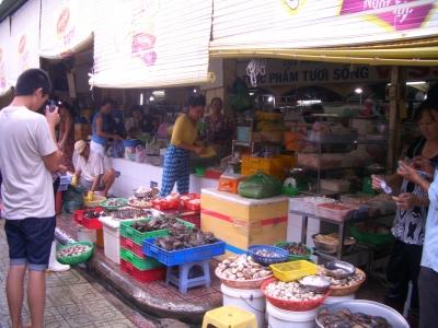 ベンタン市場 生鮮食品