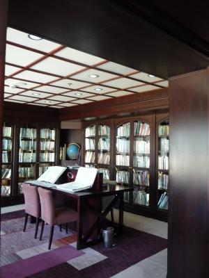 サガルビー 図書室