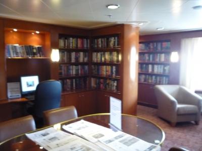シルバーシャドー 図書室