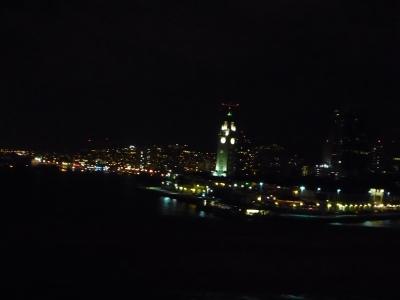 ホノルル港 夜景