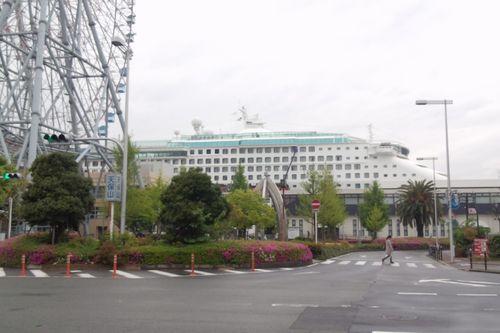 サンプリンセス 大阪港からの外観